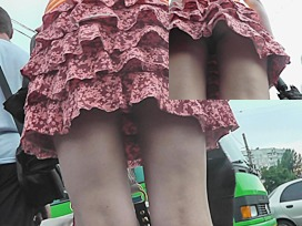 flashing upskirt